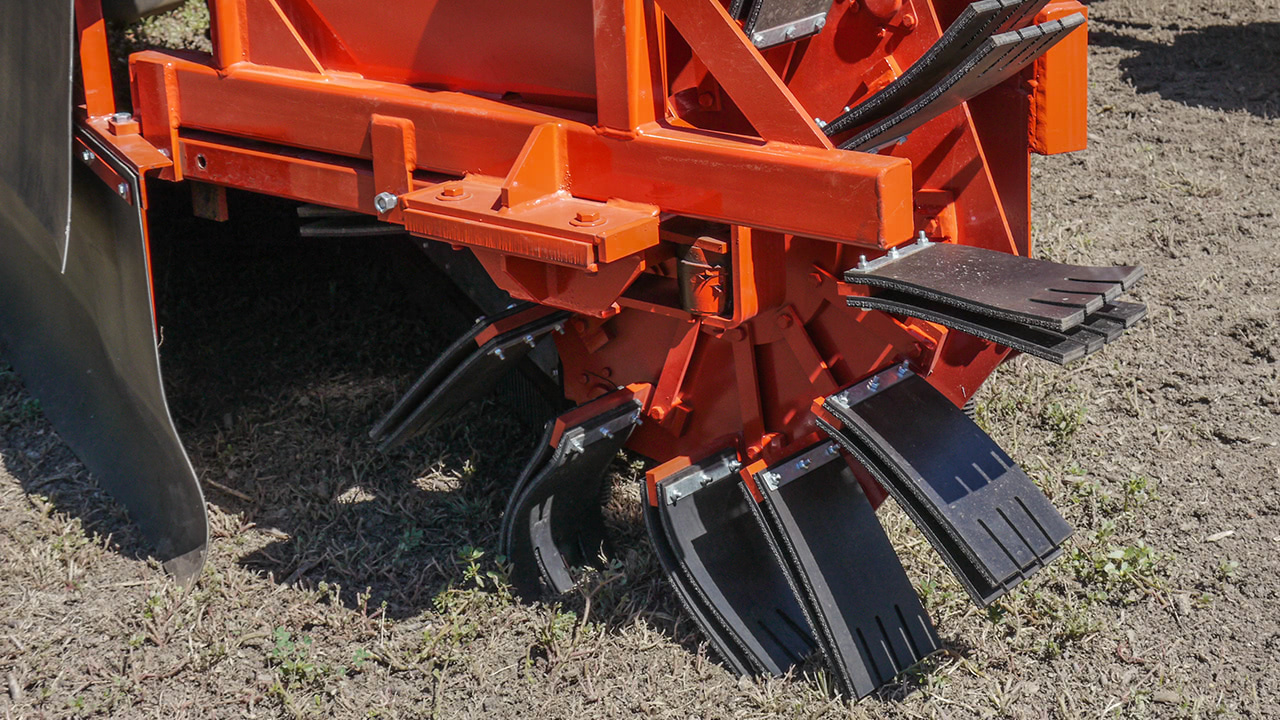 9685/9610 Tractor Mount Sweeper